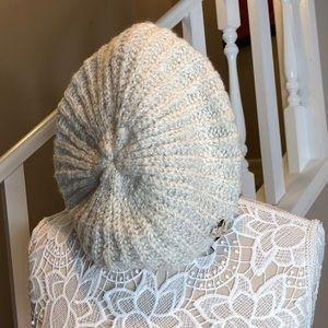 BETSEY Winter Beret Jeweled Hat 💎